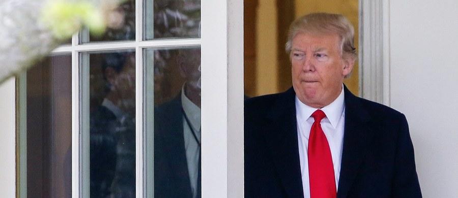 """Prezydent Trump zarzucił w piątek na Twitterze hipokryzję przywódcom Demokratów w Kongresie. Rozpoczął tę potyczkę po tym jak dziennik """"The Washington Post"""" oskarżył jego ministra sprawiedliwości o to, że zataił swoje spotkania z ambasadorem Rosji."""