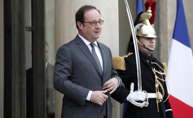 """Prezydent Francji Francois Hollande w wywiadzie opublikowanym w poniedziałek w kilku europejskich gazetach wypowiedział się o nadchodzących wyborach prezydenckich w jego kraju, a także o aktualnej sytuacji w Unii Europejskiej. Hollande zaznaczył również, że nie wycofa swojego poparcia dla Tuska, mimo że """"teraz kolej na socjalistę""""."""