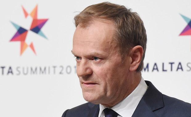 Donald Tusk nie powinien być brany pod uwagę jako kandydat na przewodniczącego Rady Europejskiej, bo nie został zgłoszony przez żadne z państw UE - powiedział w Brukseli szef MSZ Witold Waszczykowski. Decyzję ws. szefa RE mają podjąć przywódcy państw unijnych, którzy spotykają się w czwartek i piątek w Brukseli. Zdaniem ministra, może nastąpić to w czwartek, ale też w późniejszym terminie.
