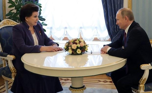 Z okazji 80. urodzin pierwsza kosmonautka świata Walentina Tierieszkowa została przyjęta na Kremlu przez Władimira Putina. Oboje byli wyraźnie wzruszeni.