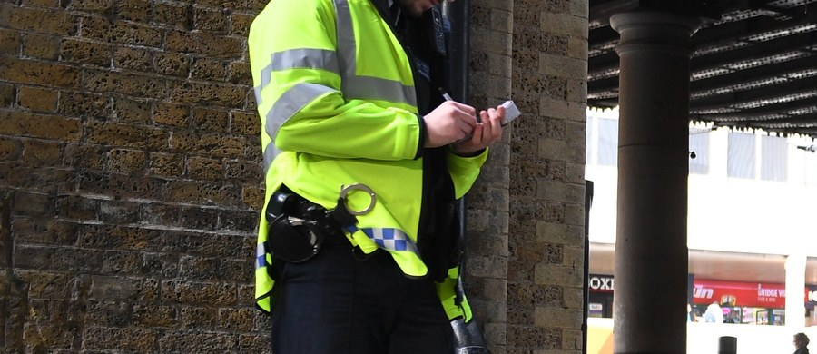 20 miesięcy więzienia w zawieszeniu to kara dla brytyjskiego nastolatka, który ukradł defibrylator. Harry Williams był pijany, gdy zabrał sprzęt ratownikowi medycznemu, który udzielał pomocy poszkodowanemu przed nocnym klubem.