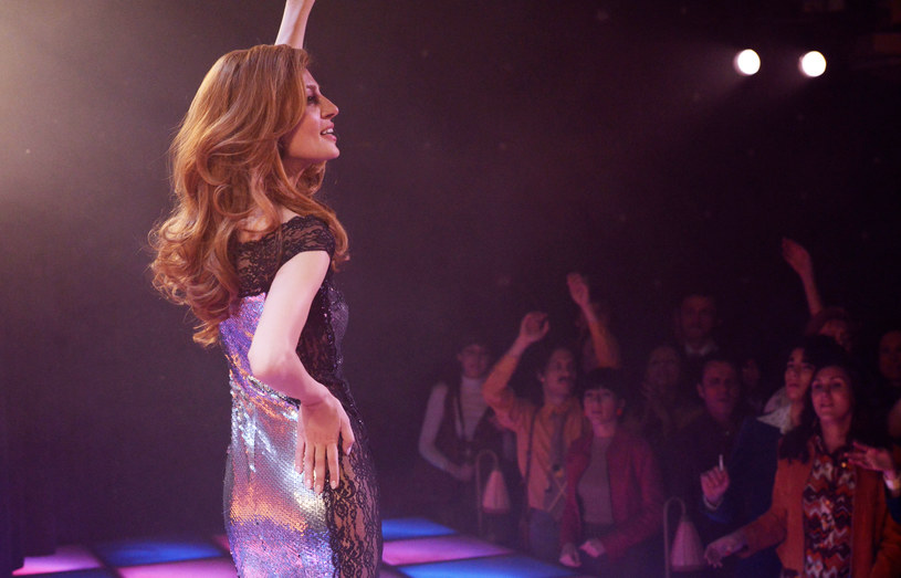 """""""Skazana na miłość"""" to filmowa historia Dalidy, francuskiej piosenkarki włoskiego pochodzenia. To także album z jej największymi przebojami. Na ekranach polskich kin film zadebiutuje 31 marca."""