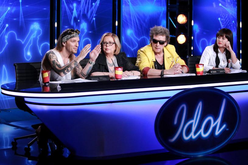 """Prawie 120 osób zostało zakwalifikowanych do etapu teatralnego w """"Idolu"""". Sporym zaskoczeniem jest fakt, że części z tej grupy nie zobaczyliśmy nawet w odcinkach castingowych."""