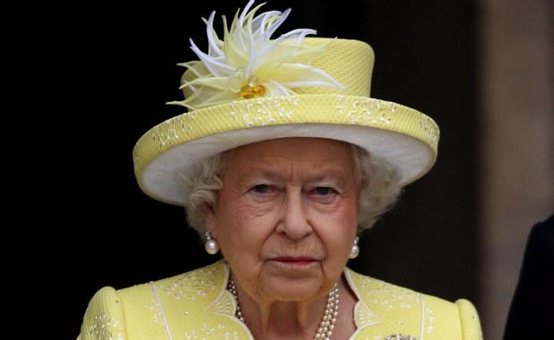 Królowa Elżbieta II złożyła podpis pod tzw. ustawą brexitową. Daje ona prawo rządowi Theresy May do wszczęcia procedury wyjścia z Unii Europejskiej. Podpis monarchini finalizuje pierwszy etap legislacyjny - w tym momencie decyzja parlamentu staje się prawem.