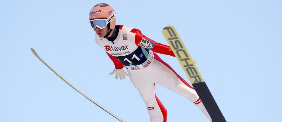 Polska zajęła drugie miejsce w drużynowym konkursie Pucharu Świata w skokach narciarskich w Vikersund. Zwyciężyła Norwegia, na trzeciej pozycji uplasowała się Austria. W trakcie konkursu ustanowiono nowy rekord świata w długości lotu. Najpierw Norweg Robert Johansson poszybował na odległość 252 metrów, ale lepszy wynik - 253,5 metra - uzyskał następnie Austriak Stefan Kraft.