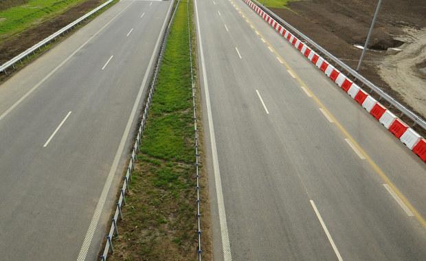 Będą utrudnienia w ruchu na odcinkach autostrady A1 w Łódzkiem. Dziś rozpoczynają się prace związane z remontem nawierzchni na jezdni prowadzącej w kierunku Gdańska między Piotrkowem Trybunalskim i węzłem Tuszyn.