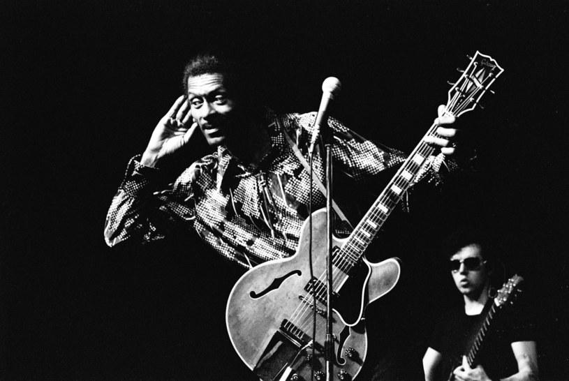 Media społecznościowe zalała fala wspomnień zmarłego w sobotę (18 marca) Chucka Berry'ego. Słynny pionier rock'n'rolla miał 90 lat.