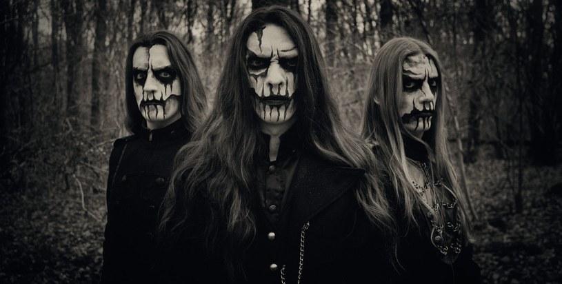 Symfoniczni blackmetalowcy z holenderskiej grupy Carach Angren szykują się do premiery nowego albumu.