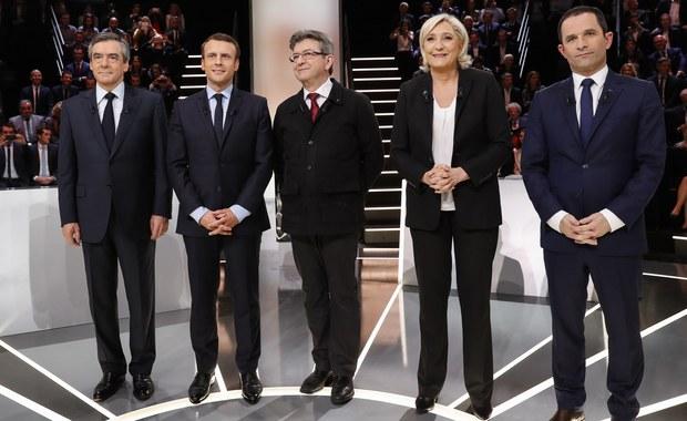 Burzliwy przebieg miała telewizyjna debata pięciu najpoważniejszych kandydatów we francuskich wyborach prezydenckich. Do szczególnie ostrej wymiany zdań doszło między liderką skrajnej prawicy Marine Le Pen a socjaldemokratą Emmanuelem Macronem.