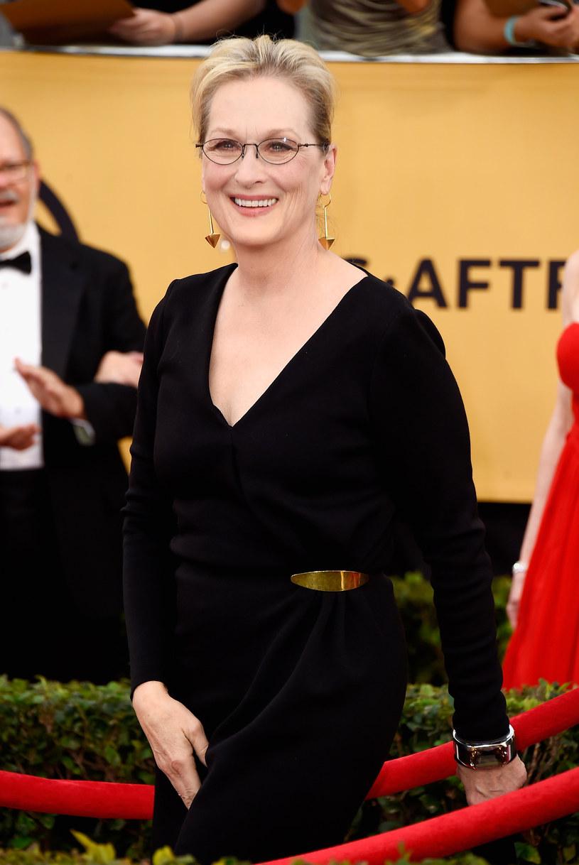 """Zdjęcie Meryl Streep rozbawiło tysiące internautów. Wszystko za sprawą kontekstu, w jakim zostało osadzone. Nowego mema ze znaną na całym świecie aktorką nazwano """"Śpiewająca Meryl Streep""""."""