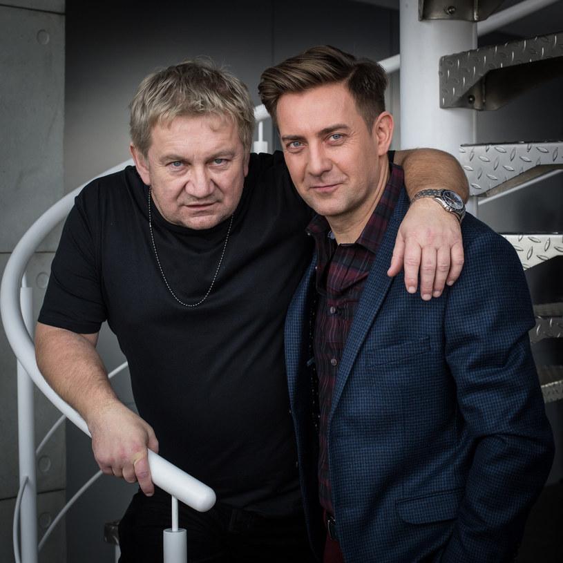 Po raz pierwszy gra w jednym serialu razem z młodszym bratem, Rafałem. Paweł Królikowski opowiada o swoich metamorfozach i o życiu w artystycznym klanie.