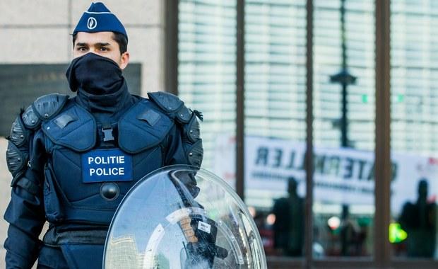 Policja w belgijskiej Antwerpii zapobiegła zamachowi terrorystycznemu. Kierowca chciał wjechać rozpędzonym samochodem w tłum w dzielnicy handlowej. Jedna osoba została zatrzymana.