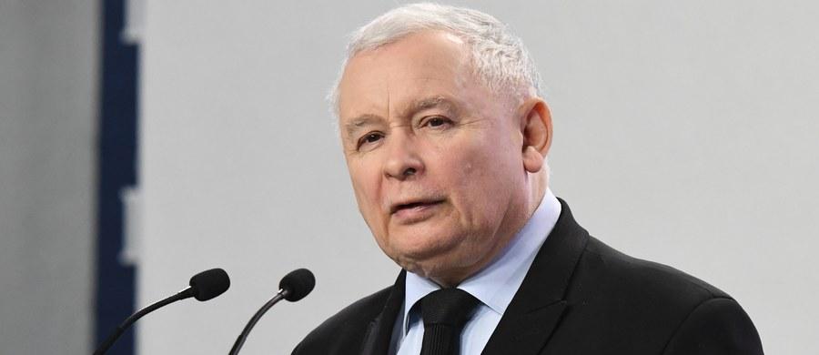 Wizyta Jarosława Kaczyńskiego w Wielkiej Brytanii pokazuje na brak zaufania wobec rządu, wobec Ministerstwa Spraw Zagranicznych i wobec tych osób, na których prezes PiS opierał swoją ocenę sytuacji międzynarodowej i sytuacji w UE - mówi dr Katarzyna Pisarska. Ekspert w rozmowie z dziennikarzem RMF FM Tomaszem Skorym ocenia, że wizyta Jarosława Kaczyńskiego to konsekwencja wyboru Donalda Tuska na szefa Rady Europejskiej i porażki dyplomatycznej w Brukseli.
