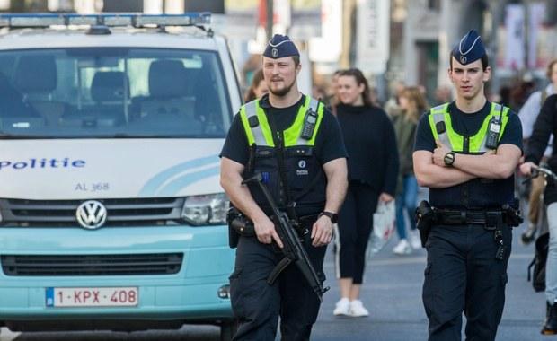 """Tunezyjczyk, który rozpędzonym samochodem wjechał na zatłoczony deptak handlowy w Antwerpii, został oskarżony o """"próbę zamachu o charakterze terrorystycznym"""". Śledczy nie chcą jednak mówić, jaki był motyw działania mężczyzny."""
