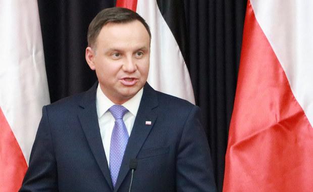 Prezydent Andrzej Duda powiedział w wywiadzie dla agencji Reutera, że mimo serii sporów z Brukselą Polska pozostaje w pełni zaangażowana w UE. Podkreślił, że polscy wyborcy odrzuciliby ugrupowanie popierające wyjście kraju ze Wspólnoty.