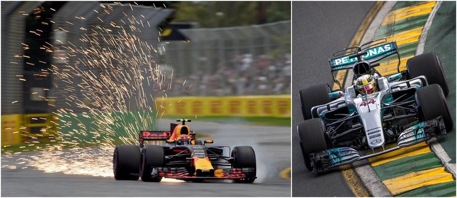 Brytyjczyk Lewis Hamilton z teamu Mercedes GP wystartuje z pierwszego pola w niedzielnym wyścigu Formuły 1 o Grand Prix Australii. To jego 62. pole position w karierze. Rywalizacja na torze w Melbourne zainauguruje 68. sezon mistrzostw świata Formuły 1.