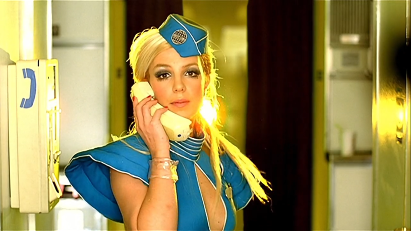 """Sieć podbija wersja przeboju Britney Spears """"Toxic"""", w której nie słychać auto-tune'a."""