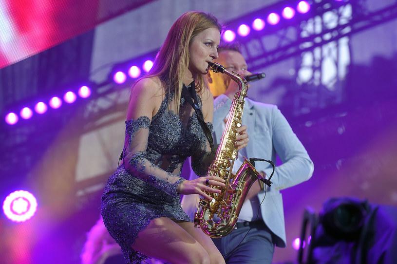Zenek Martyniuk z grupy Akcent po raz kolejny zaśpiewa na weselu. Tym razem bawić będzie gości koleżanki z discopolowego zespołu MIG - Doroty Gwiazdowskiej.