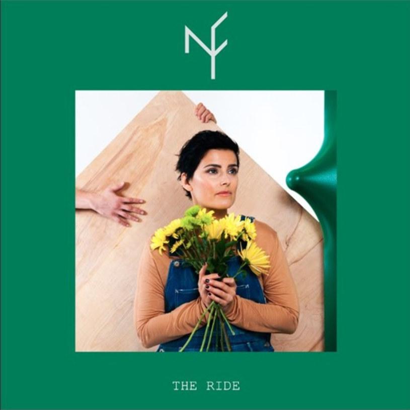 """To nie złośliwość czy przytyk. Nelly Furtado sama powiedziała, że """"The Ride"""" to jej album na kaca. A może """"album kacowy""""? W każdym razie Nelly dojrzała, zdmuchnęła z siebie dyskotekowy pył, starła ślady lepkich rączek wszystkich producentów, którzy mieli na nią """"jakiś pomysł"""" i postawiła na samą siebie. Nic dziwnego, że pierwszą piosenką, jaką artystka napisała do nowego albumu był """"Phoenix"""". Jest w jej historii i brzmieniu nowego albumu coś z historii odradzającego się z popiołów Feniksa."""