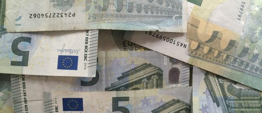 Holenderska prokuratura wszczęła międzynarodowe śledztwo w sprawie osób podejrzewanych o unikanie płacenia podatków i ukrywanie środków finansowych w jednym ze szwajcarskich banków. Zarekwirowano m.in. warte miliony euro obrazy. Jak na razie, aresztowano dwie osoby.
