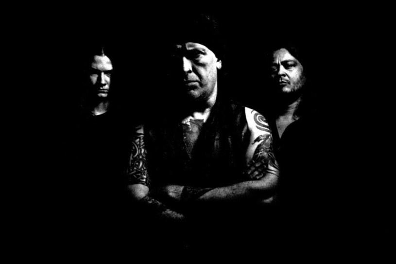 """Brytyjska formacja Vallenfyre podzieliła się z fanami utworem """"Kill All Your Masters"""" z oczekującej na premierę płyty """"Fear Those Who Fear Him""""."""