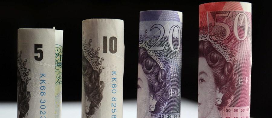 Brytyjczyk Dunstan Low jest właścicielem okazałej posesji, wartej prawie 850 tys. funtów. Znajduje się ona w hrabstwie Lancashire, na północy Anglii. Od dawna usiłuje ją sprzedać, ale jak dotąd nie znalazł kupca. Postanowił zatem rozpisać loterię.