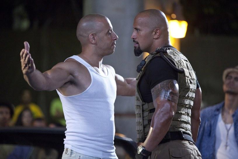"""21 kwietnia do kin trafi kolejna, ósma już część serii """"Szybcy i wściekli"""". Po raz kolejny w produkcji zobaczymy jednych z najpopularniejszych aktorów filmów akcji ostatnich lat - Vin Diesela, Dwayne'a Johnsona i Jasona Stathama. Każdy z nich ma mniejsze lub większe związki z muzyką."""