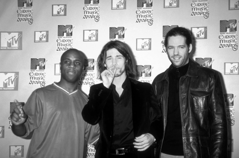 Serwis TMZ.com ujawnił, że Toby Smith, członek oryginalnego składu grupy Jamiroquai, zmarł po walce z rakiem.