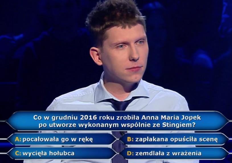 """Warto chodzić na koncerty - dzięki temu o gwarantowane 40 tys. zł wzbogacił się w """"Milionerach"""" Rafał Tamiła."""