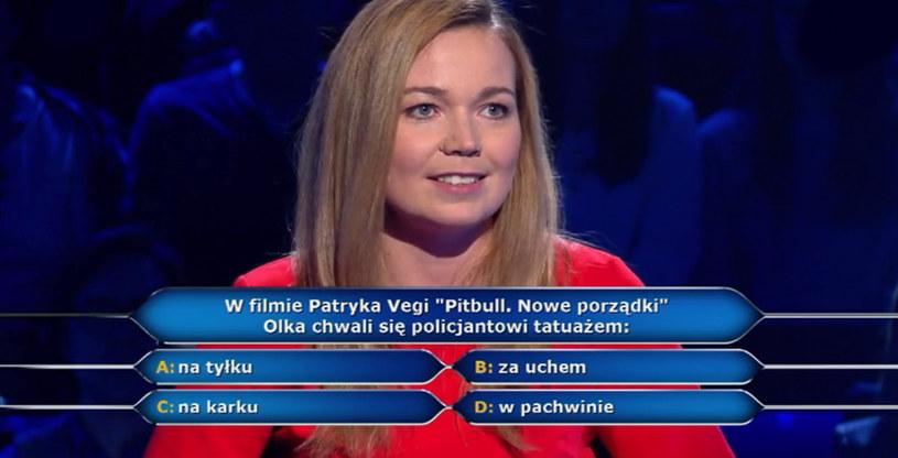 """W ostatnim odcinku """"Milionerów"""", który widzowie TVN obejrzeli 20 kwietnia, pojawiły się pytania serialowe i filmowe. Znalibyście na nie odpowiedź?"""