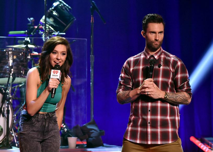 """Adam Levine oddał hołd zmarłej w czerwcu zeszłego roku Christinie Grimmie, która była jego podopieczną w amerykańskiej edycji """"The Voice"""". Wokalista w programie, specjalnie dla niej, wykonał utwór """"Hey Jude""""."""