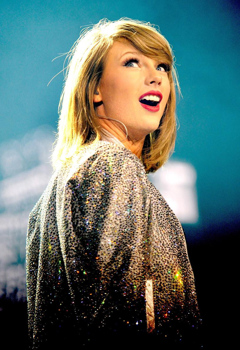 """Zagraniczne media donoszą, że Taylor Swift jest """"całkowicie skupiona"""" na pracy nad nowym albumem."""