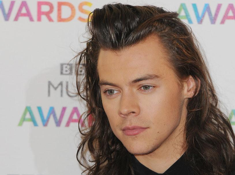 """W sieci zadebiutował teledysk do utworu """"Sign of the Times"""" - najnowszego singla Harry'ego Stylesa."""