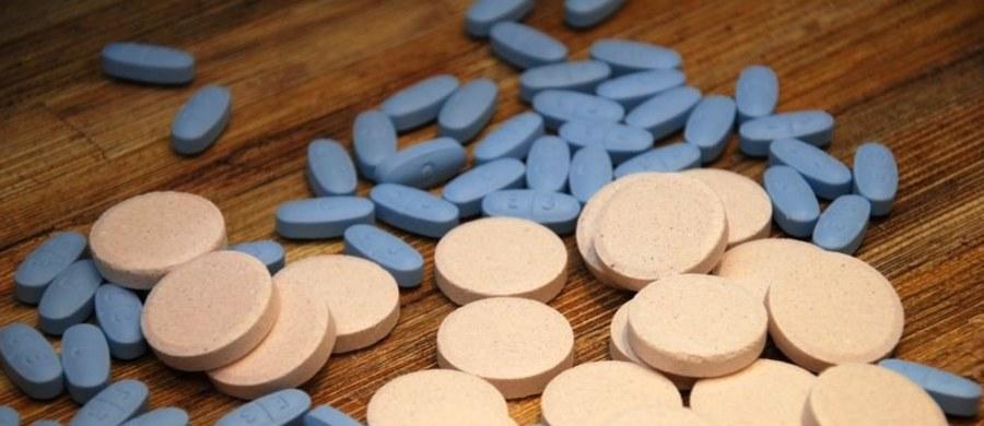 Główny Inspektor Farmaceutyczny wycofał z obrotu trzy serie leku Tabcin Trend, stosowanego w przeziębieniu i grypie. Decyzja została podjęta z powodu wady jakościowej.