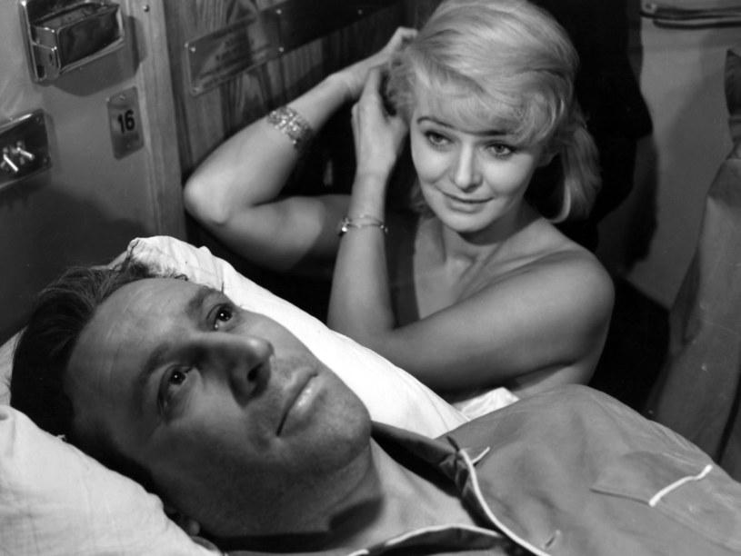 Skromna, życzliwa, pogodna – tak wspominana jest do dziś Lucyna Winnicka, jedna z największych gwiazd polskiego kina lat 60. i 70. Choć kuszono ją sławą, zrezygnowała z kariery i związanych z nią przywilejów, by zacząć nowy rozdział w życiu.
