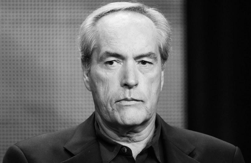 """Amerykański aktor filmowy, telewizyjny i teatralny Powers Boothe nie żyje. Artysta, znany z takich produkcji, jak """"Sin City 2 - Damulka warta grzechu"""", """"Stalingrad"""", """"Avengers"""" czy serial """"24 godziny"""", zmarł w niedzielę rano, 14 maja. Miał 68 lat."""