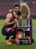 "Shakira i Gerard Piqué w teledysku ""Me Enamoré"""