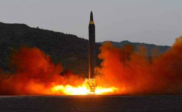"""System obrony THAAD, instalowany w ostatnich tygodniach na terenie Korei Południowej, jest w stanie przechwycić rakiety z Korei Północnej - oświadczył rzecznik Pentagonu Jeff Davis. Jak zaznaczył: """"Te pociski są zagrożeniem dla regionu""""."""