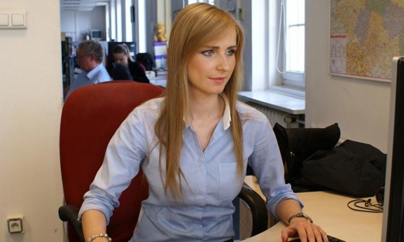 """Reporterka """"Wiadomości, Ewa Bugała, będzie teraz pracowała w newsroomie TVP Info - poinformował portal Wirtualnemedia.pl"""