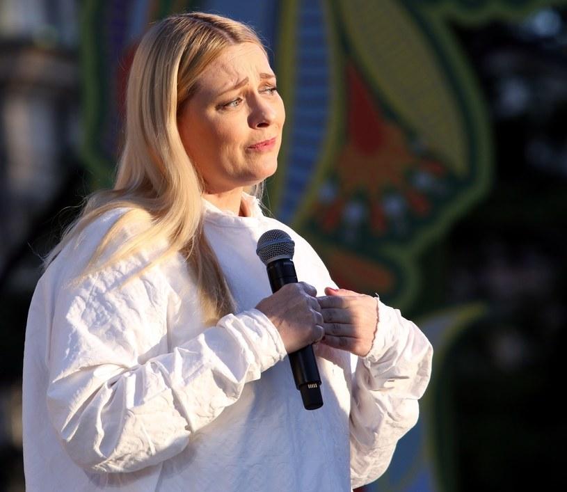 Katarzyna Nosowska nie wystąpi na tegorocznym festiwalu w Opolu jako gość na jubileuszu Maryli Rodowicz. Wokalistka zrezygnowała po tym, jak władze TVP nie wyraziły zgody, by w koncercie wzięła udział Kayah.