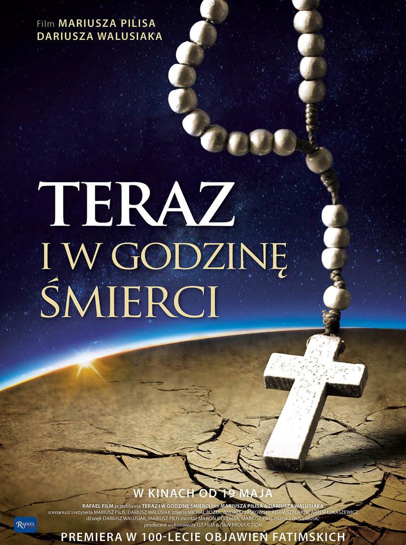 """Dokument """"Teraz i w godzinę śmierci"""" to świadectwa ludzi - naocznych świadków epokowych wydarzeń, którzy sprawczą moc przypisują modlitwie różańcowej - mówili twórcy filmu na konferencji prasowej po jego pokazie, który odbył się we wtorek w Warszawie."""