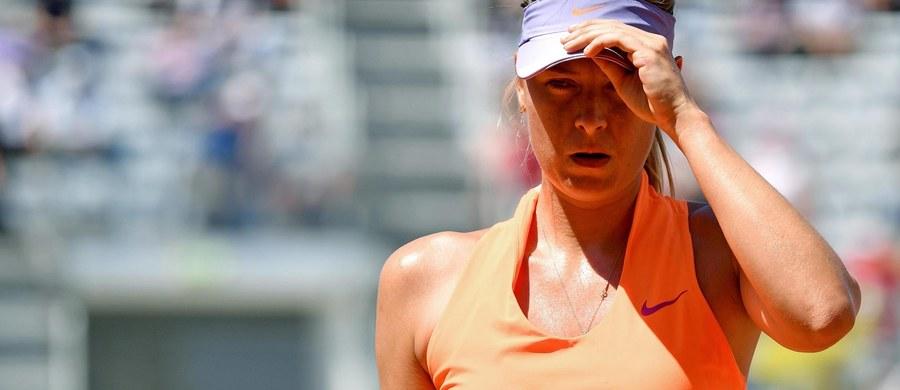 """Rosjanka nie zagra w tegorocznej edycji wielkoszlemowego turnieju French Open, który rozpocznie się 28 maja. Organizatorzy turnieju nie przyznali Szarapowej """"dzikiej karty"""" ani do głównej drabinki, ani do kwalifikacji. 30-letnia zawodniczka, która wraca do rywalizacji po 15-miesięcznej dyskwalifikacji, nie będzie mogła zagrać nawet w kwalifikacjach. Była numer jeden światowego rankingu wygrywała w Paryżu w 2012 i 2014 roku."""