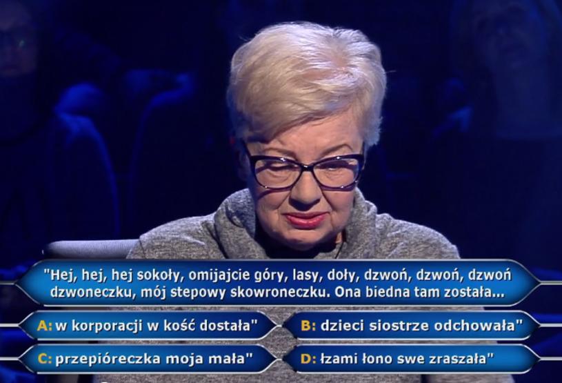 """20 tys. zł w """"Milionerach"""" wygrała """"mama, babcia i prababcia"""" Anna Kudra z Łodzi. Uczestniczka podczas gry mocno rozśmieszyła Huberta Urbańskiego i publiczność w studiu."""