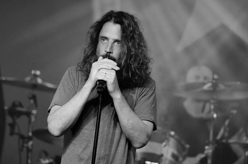 Agencja AP podała, że w wieku 52 lat zmarł nagle Chris Cornell, wokalista grup Soundgarden i Audioslave. Wiadomość o śmierci wstrząsnęła światem muzyki. Artyści wspominają Cornella za pośrednictwem mediów społecznościowych.