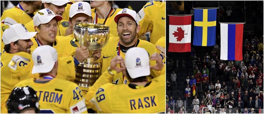 Hokeiści Szwecji nowymi mistrzami świata! W rozegranym w niemieckiej Kolonii finale MŚ pokonali po karnych broniących tytułu Kanadyjczyków 2:1 i w obecności ponad 17 tysięcy widzów po raz 10. w historii sięgnęli po tytuł mistrzów globu. Z kolei w starciu o brązowy medal reprezentacja Rosji wygrała z ekipą Finlandii 5:3. Zobaczcie najciekawsze momenty obydwu pojedynków, najefektowniejsze gole i obrony!