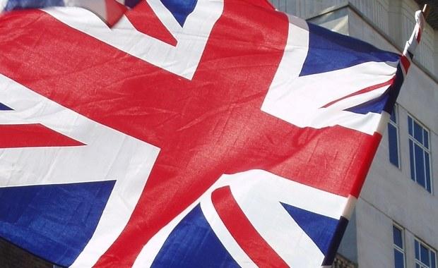Ministrowie ds. europejskich krajów UE upoważnili Komisję Europejską do rozpoczęcia negocjacji w sprawie Brexitu - poinformowała w poniedziałek maltańska prezydencja. Głównym negocjatorem unijnym jest Francuz Michel Barnier.