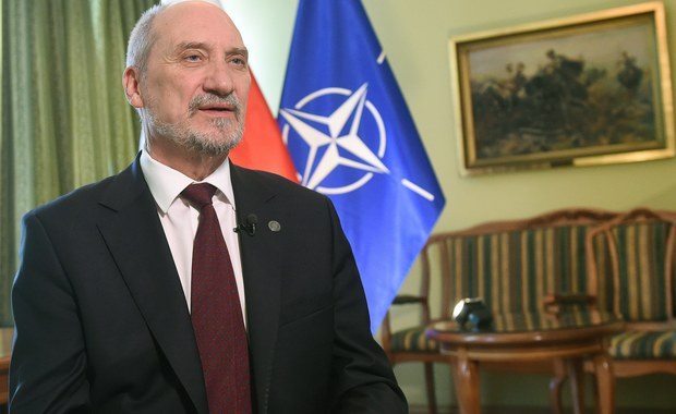 Sejm zajmie się w środę wnioskiem o wotum nieufności dla ministra obrony narodowej Antoniego Macierewicza. Złożyła go Platforma Obywatelska.