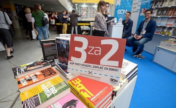 Decyzja ws. projektu ustawy o jednolitej cenie książki nie została podjęta - poinformował wicepremier, minister kultury prof. Piotr Gliński. Jak mówił, argumenty po obu stronach są bardzo silne, trzeba być bardzo ostrożnym.