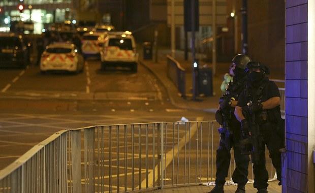 Policja zidentyfikowała zamachowca, który wysadził się przed stadionem w Manchesterze po koncercie Ariany Grandy, zabijając 22 osoby, a raniąc kilkadziesiąt innych. To 22-letni Salman Abedi, syn libijskich imigrantów.