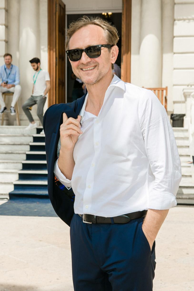 """We wtorek, 23 maja, na Międzynarodowym Festiwalu Filmowym w Cannes, odbyła się premiera polskiej koprodukcji pt. """"Szron"""", w której jedną z głównych ról zagrał Andrzej Chyra. Film został pokazany w prestiżowej sekcji Quinzaine des Réalisateurs (Directors' Fortnight.), w której swoje obrazy prezentowali tacy twórcy, jak Werner Herzog, Martin Scorsese, Jim Jarmusch czy Michael Haneke. Publiczność nagrodziła obraz gromkimi brawami i owacjami na stojąco."""
